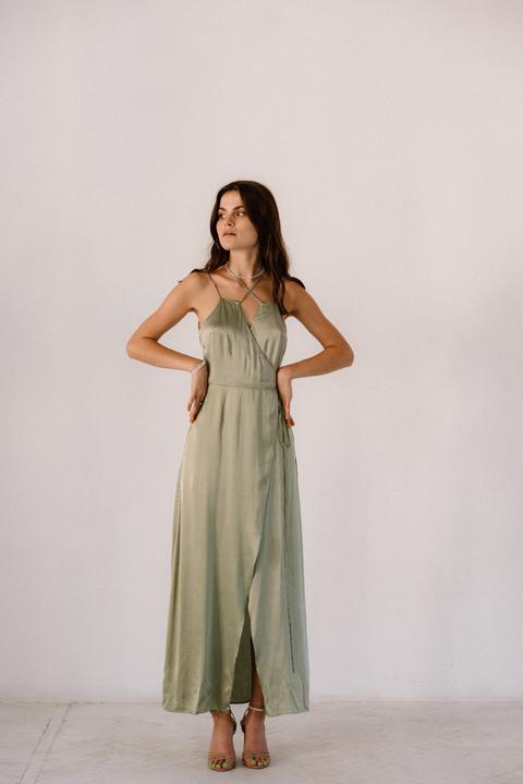 Фисташковое платье на запах из натурального шелка