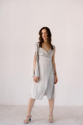 Срібне плаття на запах з натурального шовку з рукавом в прокат и oренду в Киiвi. Фото 2