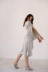 Серебряное платье на запах из натурального шелка с рукавом в прокат и аренду в Киеве. Фото 4