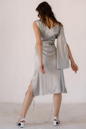 Срібне плаття на запах з натурального шовку з рукавом в прокат и oренду в Киiвi. Фото 1