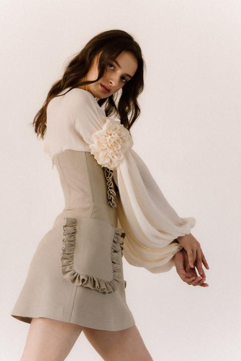 Платье корсаж под грудь бежевого цвета