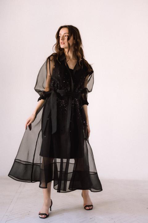 Черное комбинированное платье из органзы расшитое бисером