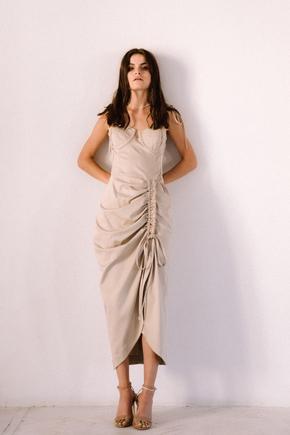 Бежеву сукню міді з воланом збоку з тенсела в прокат и oренду в Киiвi. Фото 2
