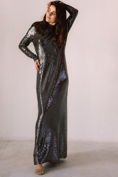 Блестящее платье цвета мокрый асфальт с открытой спиной