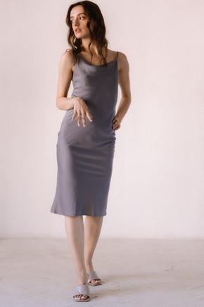 Сіра сукня комбінація з віскози з відкритою спиною в прокат и oренду в Киiвi. Фото 2
