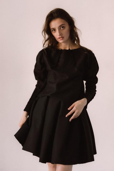 Черный костюм юбка и плиссированная юбка мини