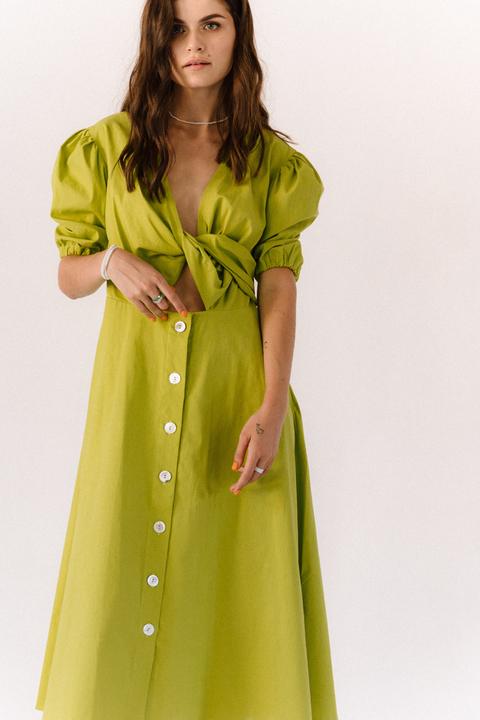 Лаймовое платье из льна с рукавом буф
