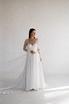 Прозрачное платье из белого кружева в будуарном стиле в прокат и аренду в Киеве. Фото 1