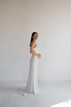 Плаття-бюст'є кольору шампанського розшите паєтками в прокат и oренду в Киiвi. Фото 2