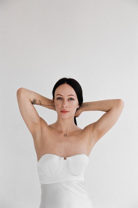 Платье-бюстье миди из шелка жемчужного цвета