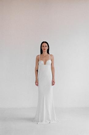 Довга сукня бюст'є молочного кольору з шовковим ліфом в прокат и oренду в Киiвi. Фото 1