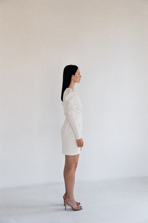 Молочна сукня міні з запахом на підкладці в прокат и oренду в Киiвi. Фото 2