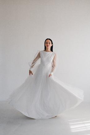 Біла пишна сукня в підлогу з рукавами з органзи в прокат и oренду в Киiвi. Фото 2