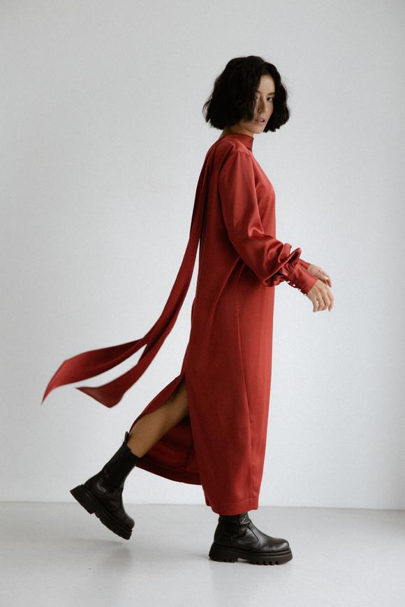 Шелковое платье длины миди бордового цвета с бантом в прокат и аренду в Киеве. Фото 1