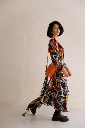 Шовкова сукня довжини міді з фантазійним принтом в прокат и oренду в Киiвi. Фото 1