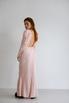 Платье макси с открытой спиной розового цвета с объемными плечами в прокат и аренду в Киеве. Фото 6