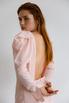Платье макси с открытой спиной розового цвета с объемными плечами в прокат и аренду в Киеве. Фото 7
