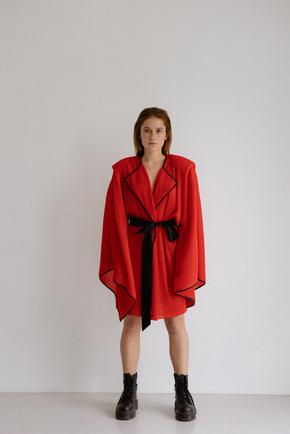 Платье-кимоно плиссе красного цвета в прокат и аренду в Киеве. Фото 2