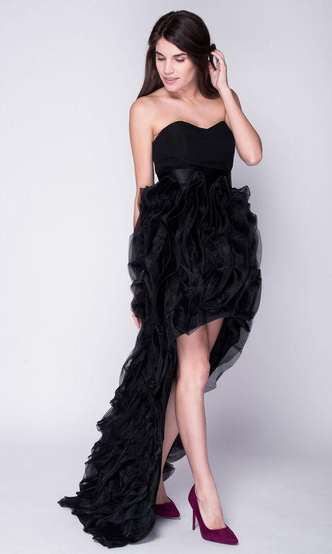 Платье с переменной длиной и воланами