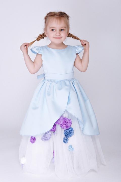 Детское голубое платье с цветочками