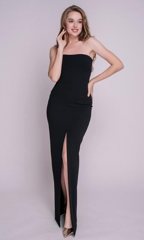 Черное платье макси с открытыми плечами