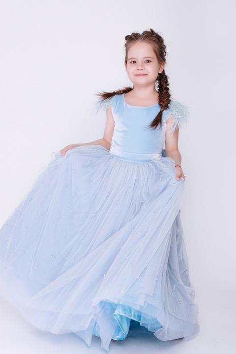 Детское голубое платье с бусинами