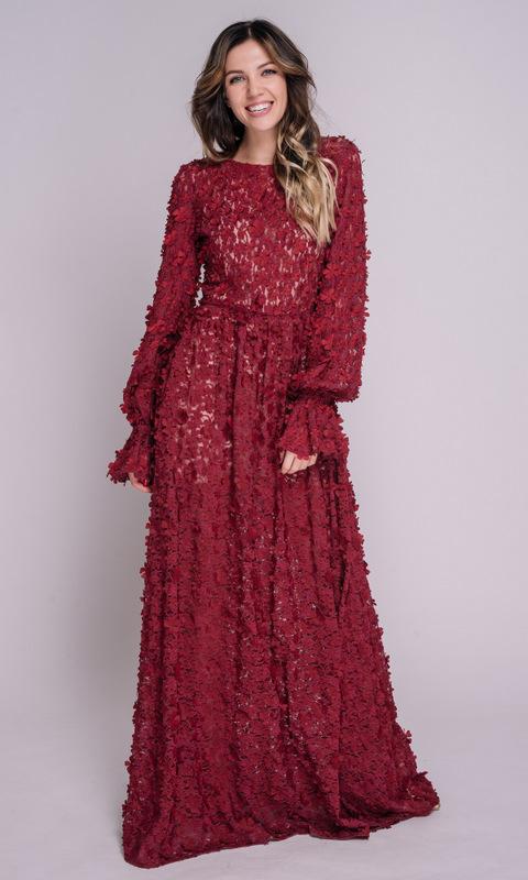 Бордовое платье в пол с аппликацией