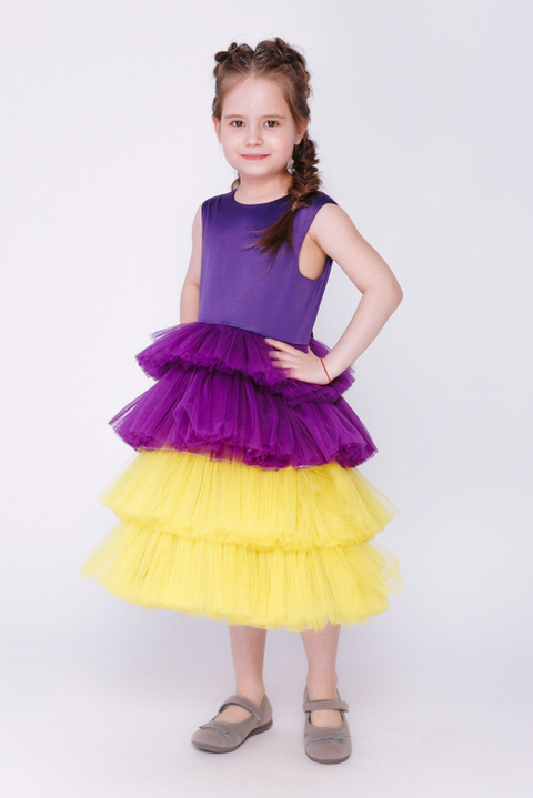 Детское фиолетовое платье с желтой юбкой