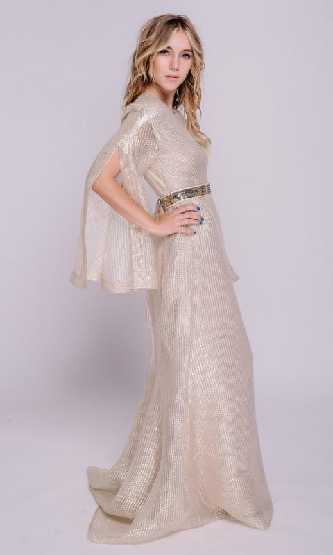 Золотое платье на запах с длинным рукавом