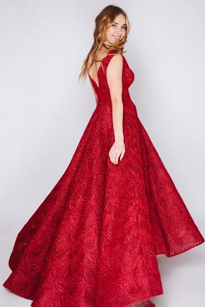 Бордова сукня з глибоким вирізом і пишною спідницею в прокат и oренду в Киiвi. Фото 2