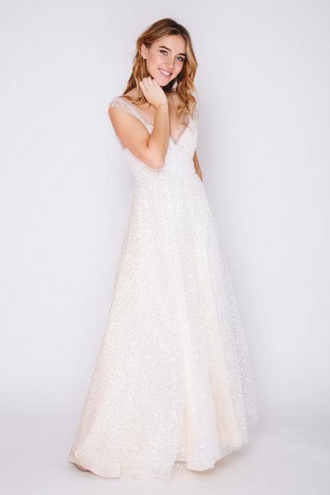 Платье в пол с глубоким вырезом цвета айвори