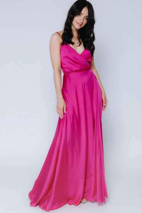 Пурпурное платье в пол на тонких бретельках
