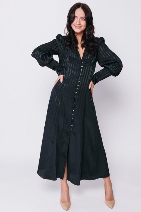 Черное платье в полоску с пуговицами и рукавами