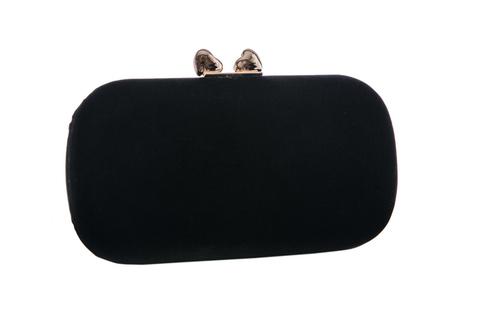 Черный бархатный клатч с золотой застежкой