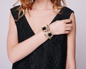 Золотий браслет з чорними кристалами в прокат и oренду в Киiвi. Фото 1
