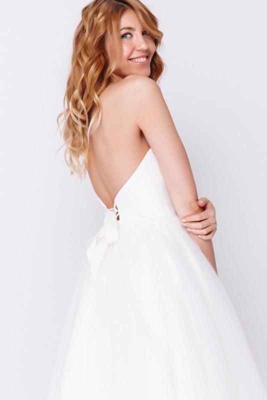Белое платье миди с корсетом в прокат и аренду в Киеве, Одессе, Харькове. Фото 2