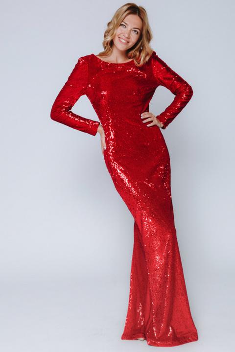 Красное платье в пайетках с длинным рукавом