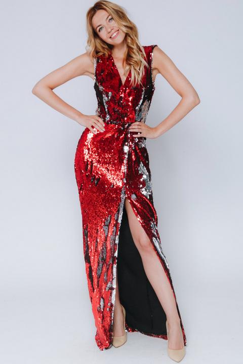Красное платье макси на запах c разрезом по ноге