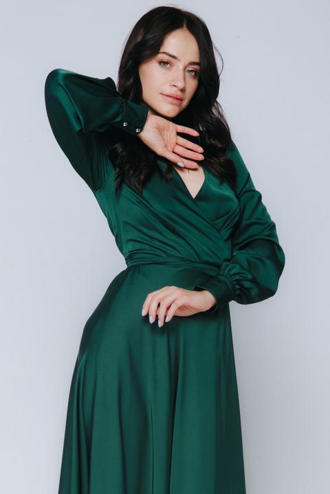 Зеленое платье в пол с длинным рукавом