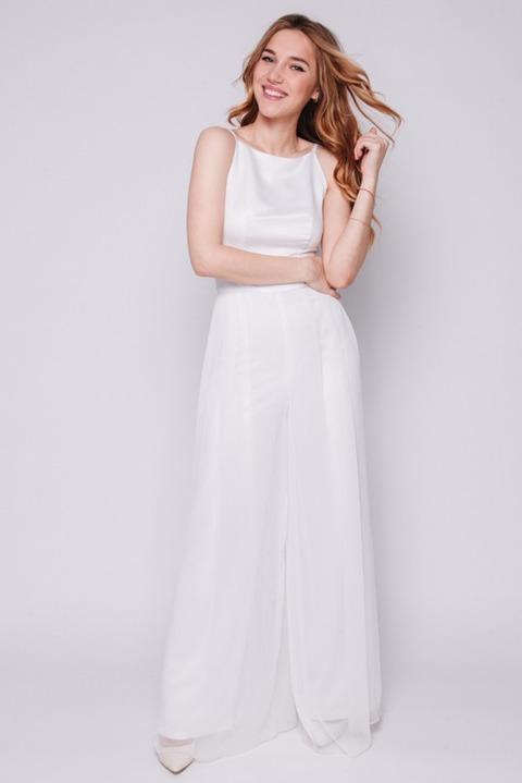 Белый комбинезон с брюками клеш