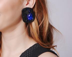 Чорні сережки прямокутної форми з синіми каменями в прокат и oренду в Киiвi. Фото 1