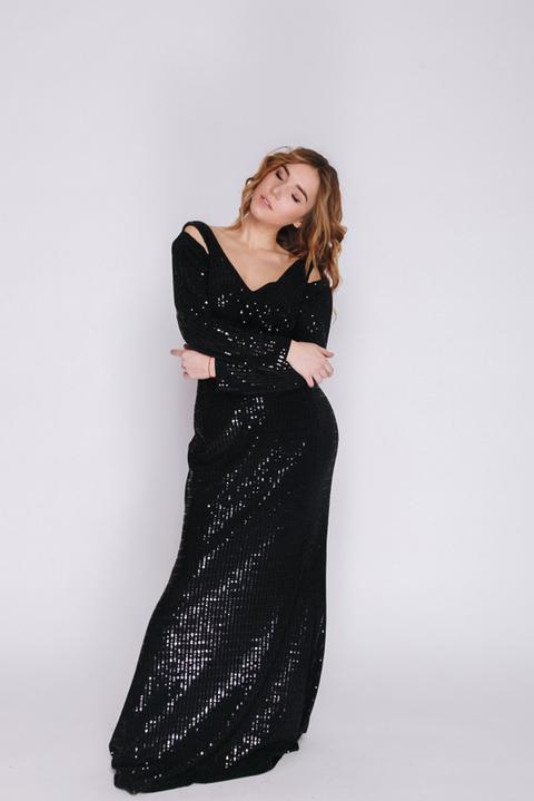 Черное платье в пол с мерцанием и длинным рукавом