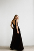 Черное бархатное платье в пол с глубоким вырезом на спине и декольте в прокат и аренду в Киеве. Фото 8