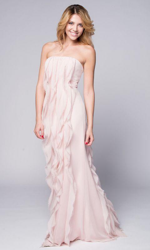 Нежно-розовое платье с воланами
