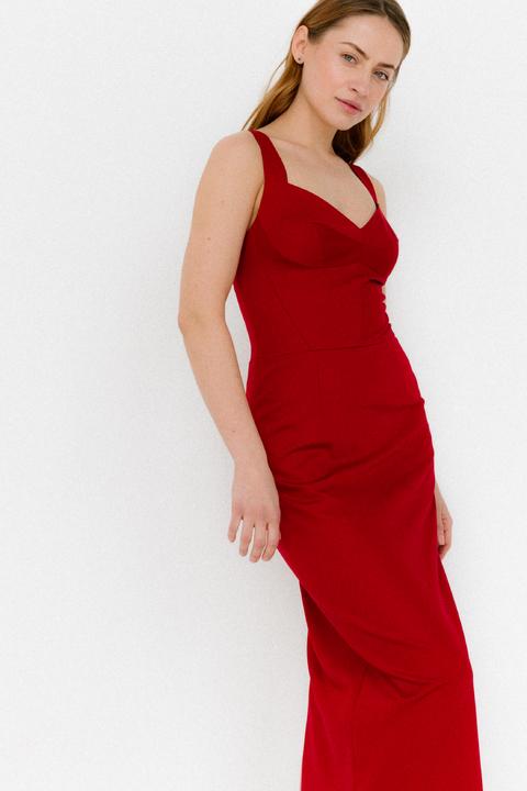 Красное платье футляр из атласа на бретелях