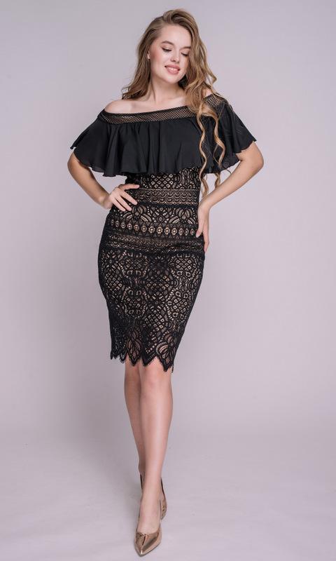 Кружевное платье миди со спущенными плечами