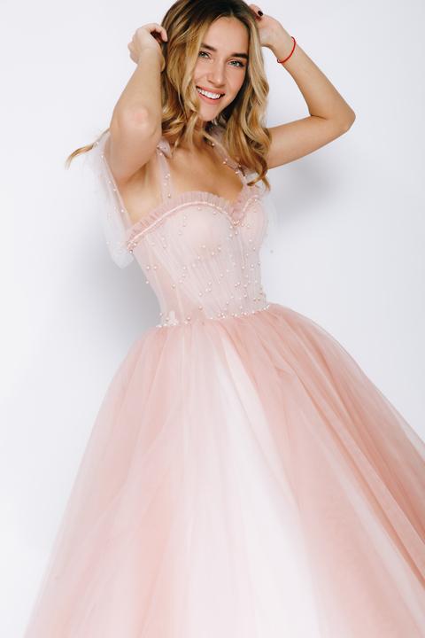 Розовое корсетное миди расшитое бусинами