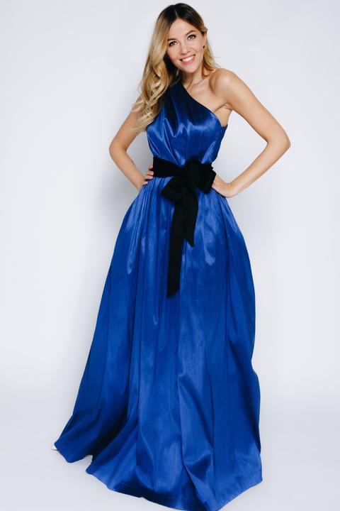 Ярко-синее платье в пол на одно плечо