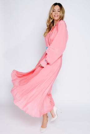 Яскраво-рожеве шовкове плаття довжини міді з рукавом в прокат и oренду в Киiвi. Фото 2
