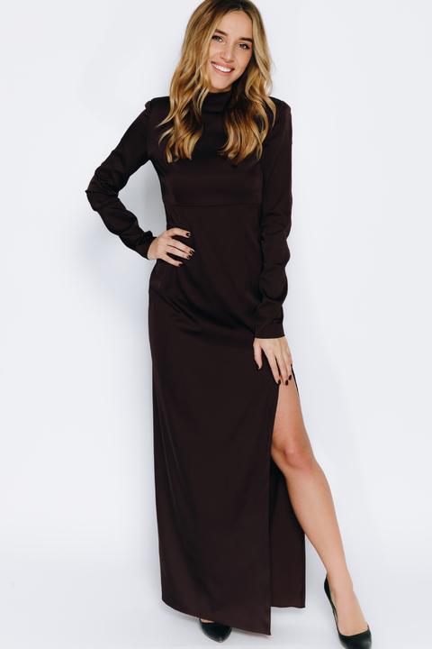 Шелковое платье шоколадного цвета с объемными плечами